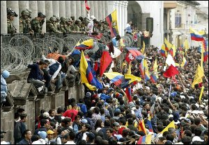 Thousands of Ecuadorans demonstrate in front of Carondelet Palace